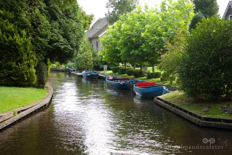 canale in satul fara strazi