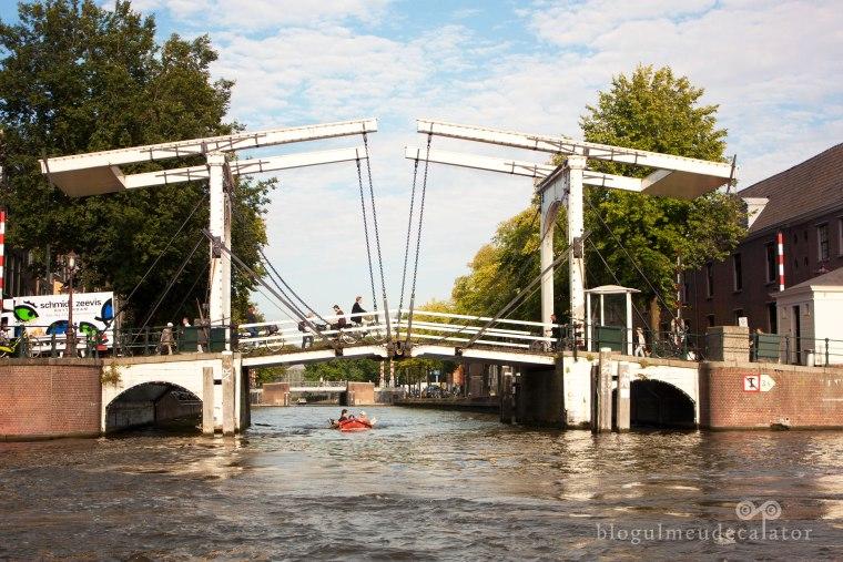 obiective turistice din amsterdam- skinny bridge