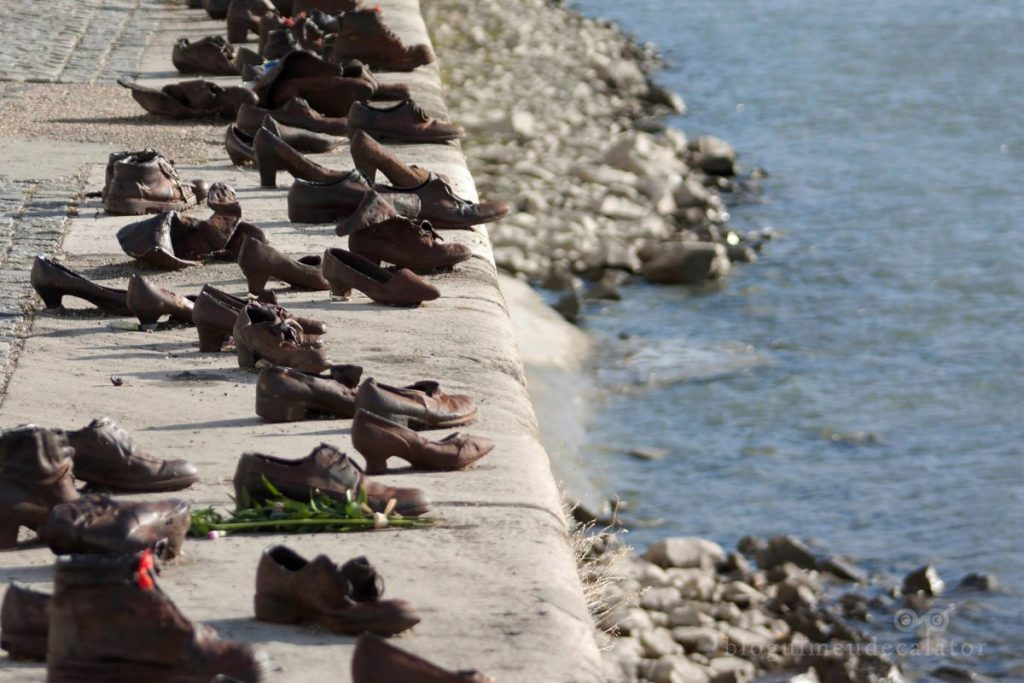 obiective pe care le poti vizita gratis în Budapesta-pantofii de pe malul dunarii