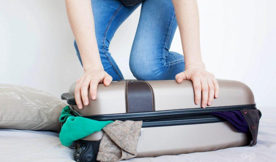 Sugestii pentru împachetarea hainelor în bagaj