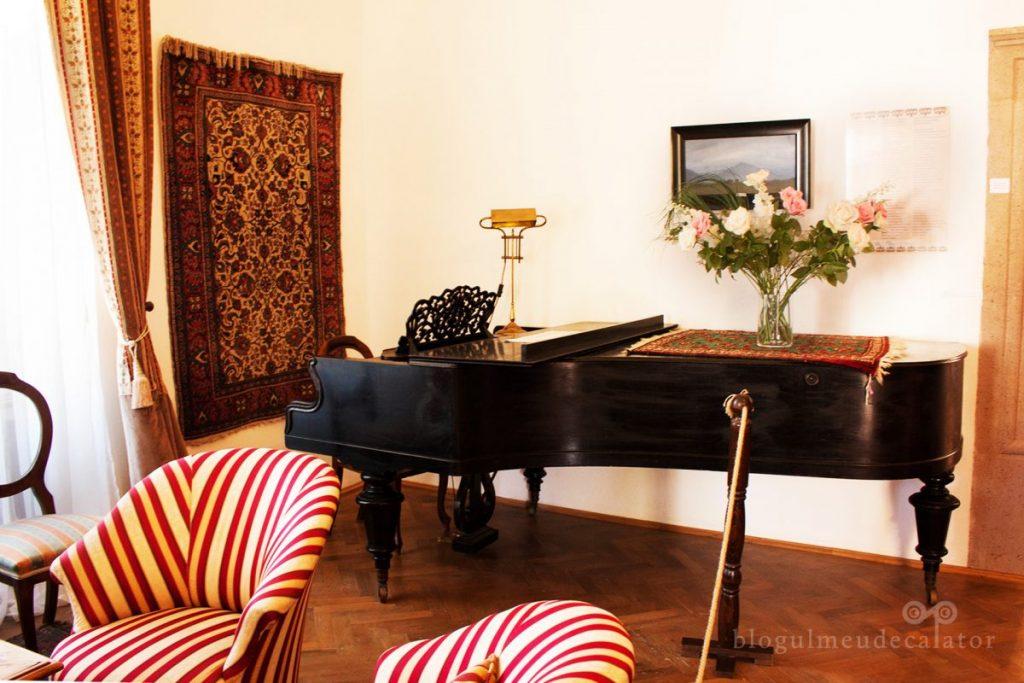 camera-pianului
