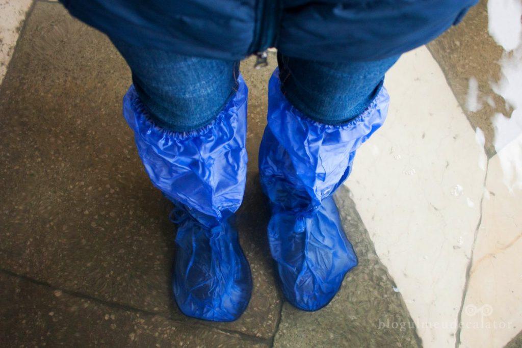 cizme de cauciuc pentru inundatii in venetia