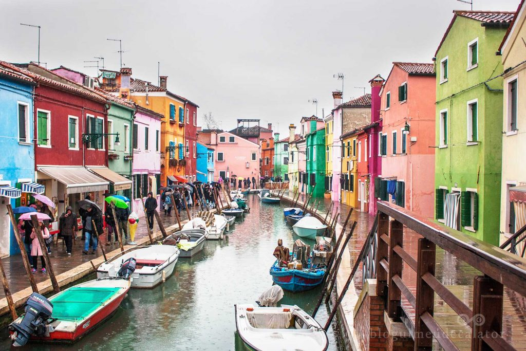 barci si canale in Burano