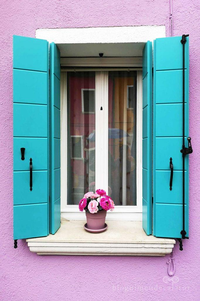 fereastra colorata in Burano