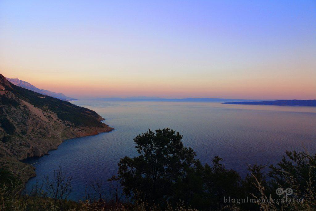 apus de soare pe drumul cu masina in Croatia
