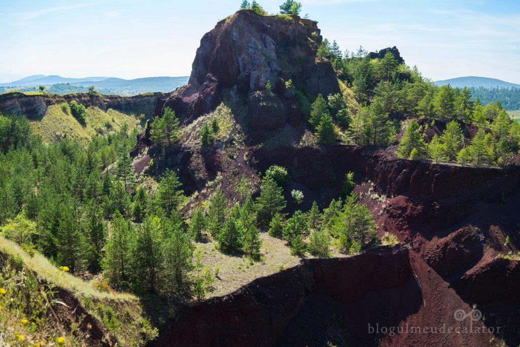 Vulacanul de la Racoș