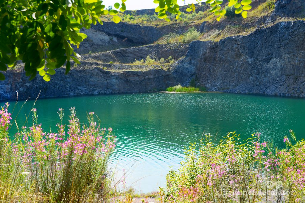 Lacul de Smarald din Racos