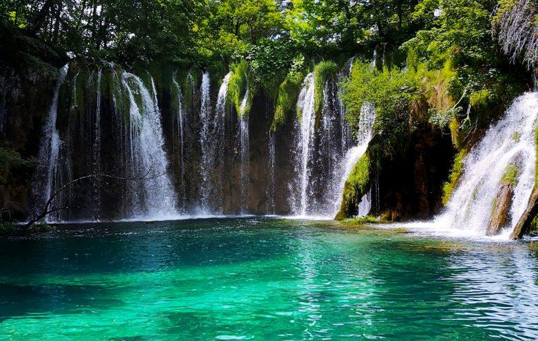 Lacurile Plitvice - paradisul cascadelor și al lacurilor turcoaz