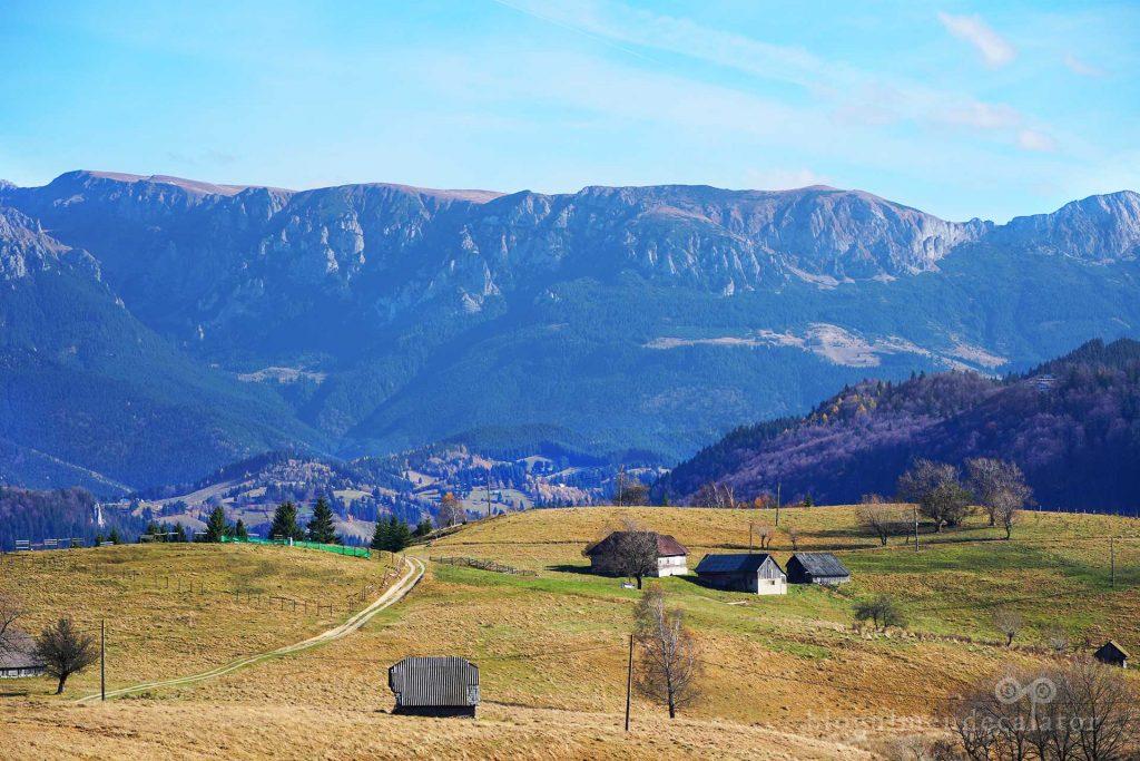 Bucegii văzuți din satul Șirnea