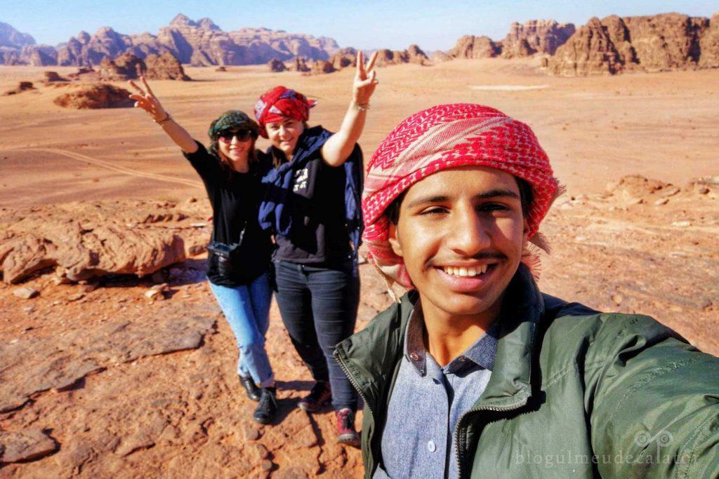 tur cu jeepul prin desertul Wadi Rum