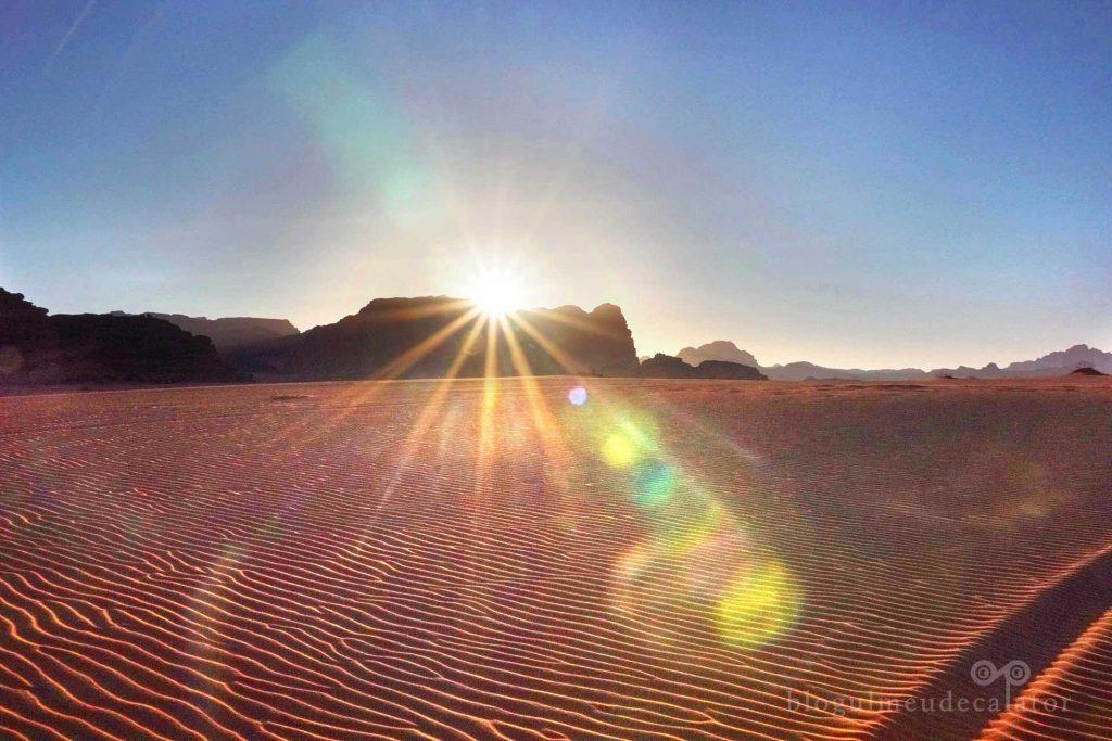apus de soare in desertul wadi rum