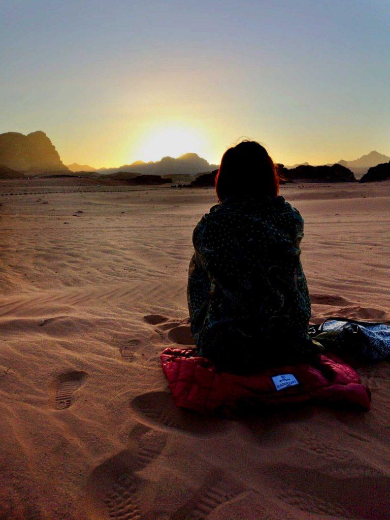 Apus de soare in desert