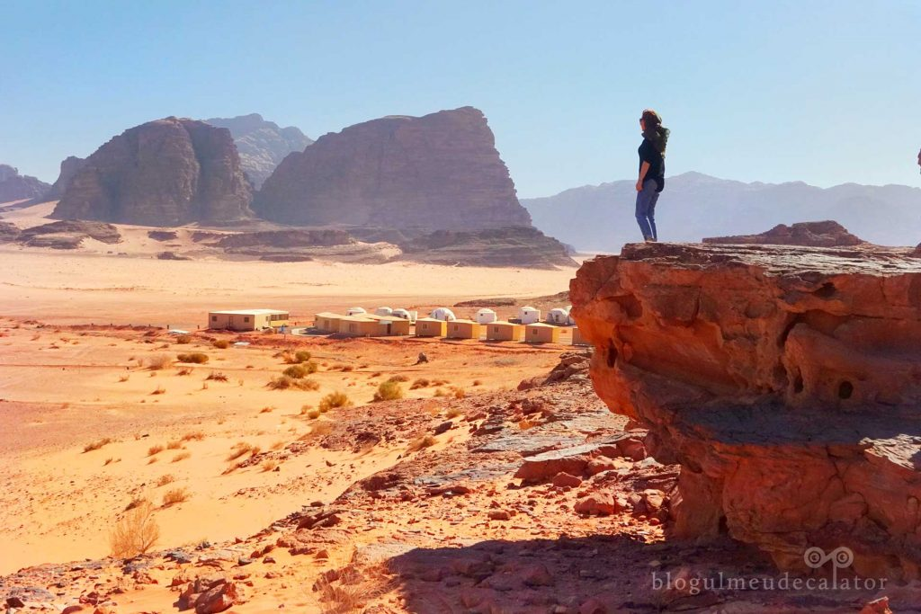 priveliste spre desertul wadi rum, iordania