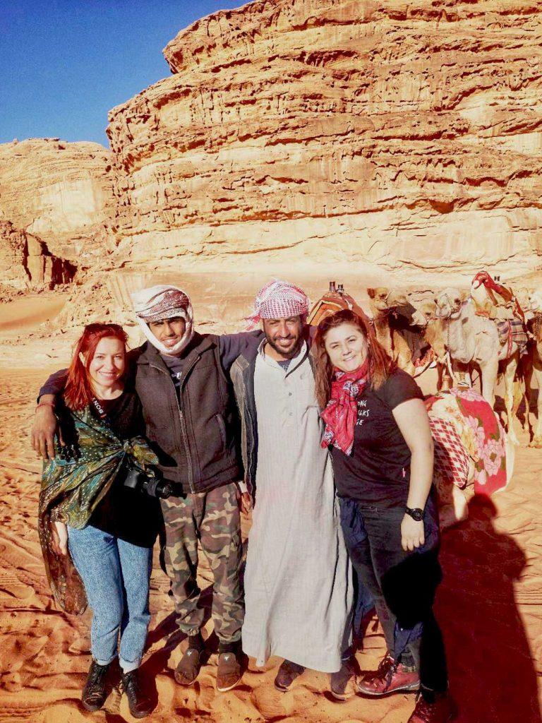 cu beduinii in desertul wadi rum, iordania