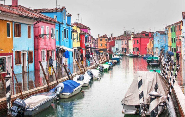 casute colorate in Burano, Veneția