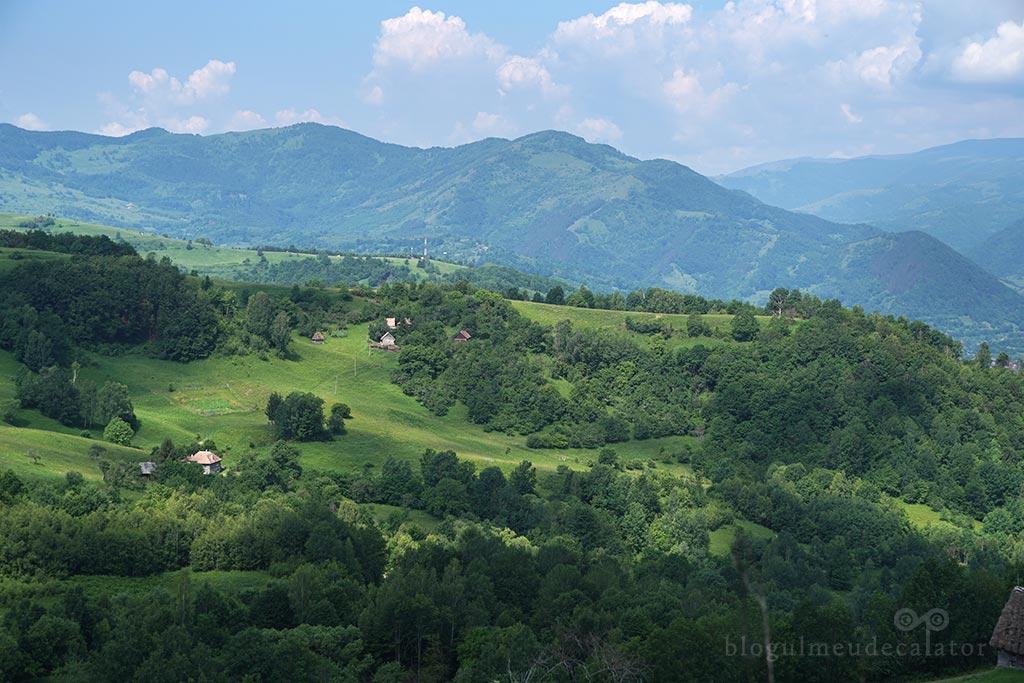 priveliste de pe dealurile din Dumesti, Alba