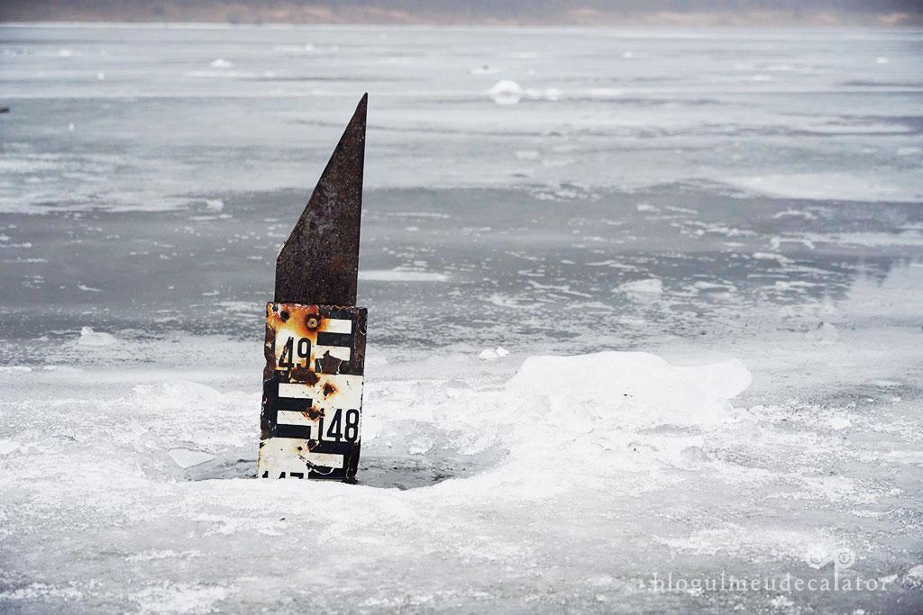 locuri de vizitat in Harghita - lacul Zetea inghetat