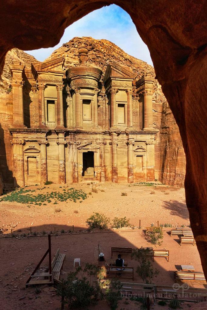Petra iordania The Monastery